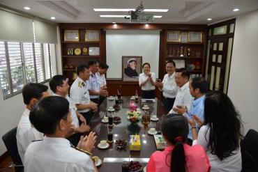 Đoàn Cán bộ, Chiến sĩ Vùng 5 Hải quân đến thăm Tổng Công ty SAMCO