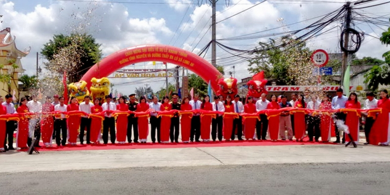 SAMCO tài trợ kinh phí xây đường Vĩnh Nguyên và đường Thầy Ba Lô thuộc xã Long An, huyện Cần Giuộc, tỉnh Long An.