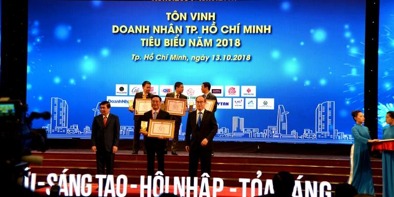 TÔN VINH 100 DOANH NHÂN TP. HCM TIÊU BIỂU NĂM 2018